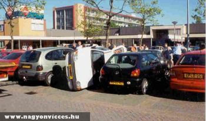 Két autó közé parkolás
