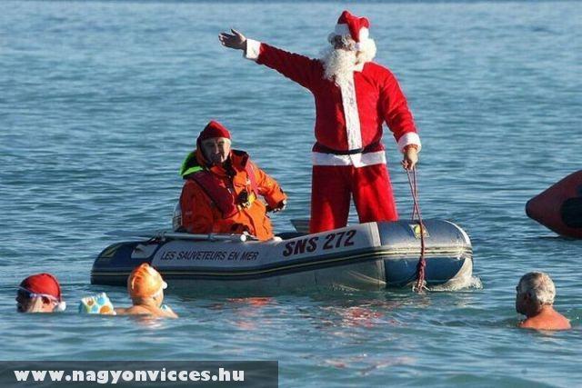The lifeguard Santa Claus