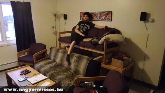 Emeletes kanapé