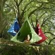 Fára akasztott sátrak