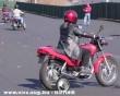 Motorozás pótkerékkel