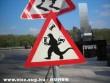 Veszélyes útszakasz!